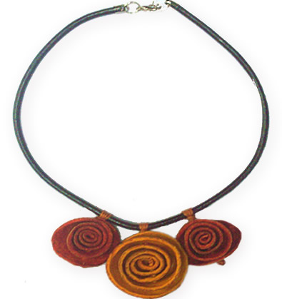 6 Pretty Necklace of Orange Peel and Leather Flower Design