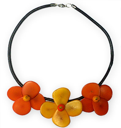 6 Pretty Necklaces made of Tagua and Leather